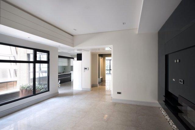 Boostan Apartment | 不占用空间的内嵌灯光使空间看起来更简约